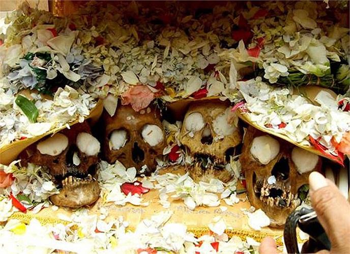 Mỗi năm vào ngày 9/11, Nghĩa trang trung tâm La Paz lại trở thành địa điểm diễn ra một lễ hội truyền thống tiền Columbus kỳ quái.