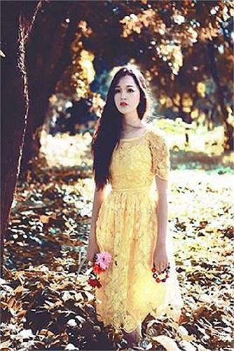 Á hậu Hoàng Anh như nàng công chúa giữa rừng.