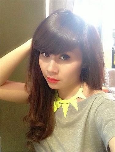 Lưu Thiên Hương ngày càng trẻ trung và thích chụp ảnh kiểu 'hotgirl'.