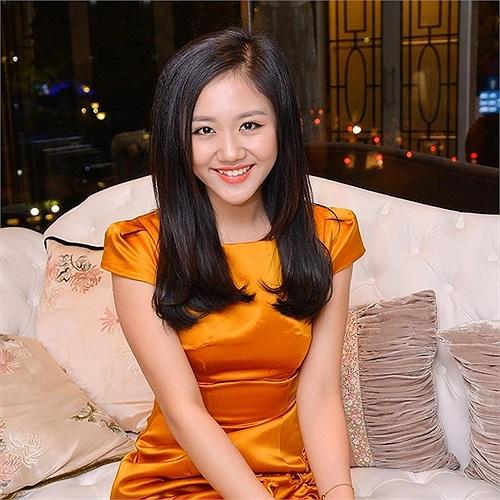 Văn Mai Hương chia sẻ hình ảnh mới vô cùng xinh đẹp.