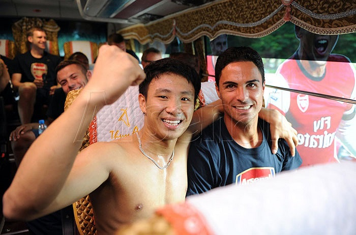Người chạy bộ tên thật là Vũ Xuân Tiến, sinh năm 1993, đến từ Hải Dương