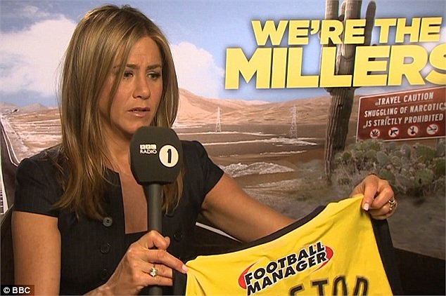 Jennifer Aniston vừa trở thành người nổi tiếng thứ 2 gia nhập Watford City