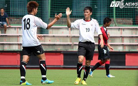 Công Vinh vừa ghi 2 bàn vào lưới U18 Sapporo. Cuối tuần này, Công Vinh đang hi vọng sẽ có thể ra sân ở trận đấu giữa Consadole Sapporo và Gamba Osaka