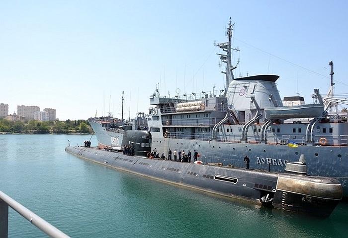 Cận cảnh tàu ngầm diesel/điện lớp Foxtrot của Hải quân Ukraine