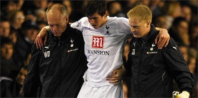 Tháng 12.2007, Bale dính chấn thương dây chằng ở mắt cá chân bên phải và phải nghỉ thi đấu tới hết mùa giải đó.