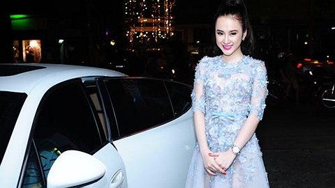 Chiếc Porsche Panamera màu trắng có giá 4,8 tỷ đồng mà Angela Phương Trinh mới tậu.