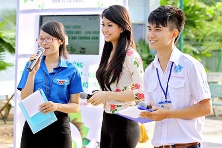Đây là chương trình do Đoàn - Hội Sinh viên trường ĐH Luật TP.HCM tổ chức nhằm hưởng ứng Tháng Thanh niên năm 2013.