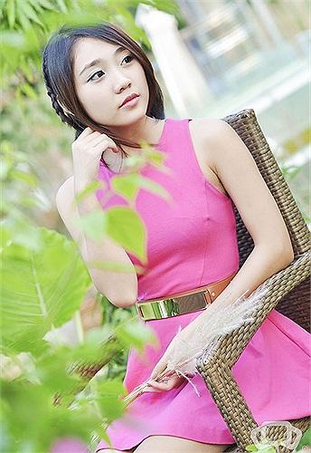 Trước kỳ thi tuyển sinh sắp tới, Thu Trang đã đăng ký thi tiếp lên hệ CĐ của trường Văn hóa nghệ thuật HN và sẽ thi thêm trường HV Báo chí & tuyên truyền