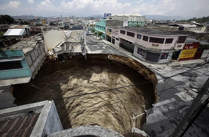 Thêm một hố tử thần tại Guatemala, đây là thủ phạm làm biến mất một tòa nhà cao 3 tầng