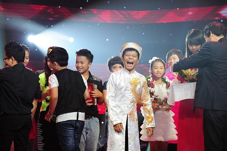 Cách thể hiện hạnh phúc của Quang Anh là hét thật to trước niềm vui vô bờ bến.