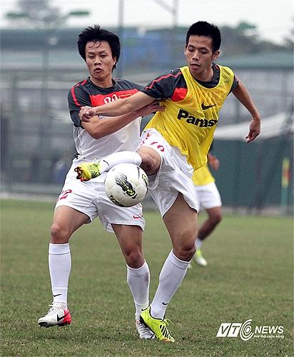 Tiền vệ của Hà Nội T&T đã bị chấn thương ngón chân và anh sẽ phải nghỉ tập ít nhất 3 ngày.