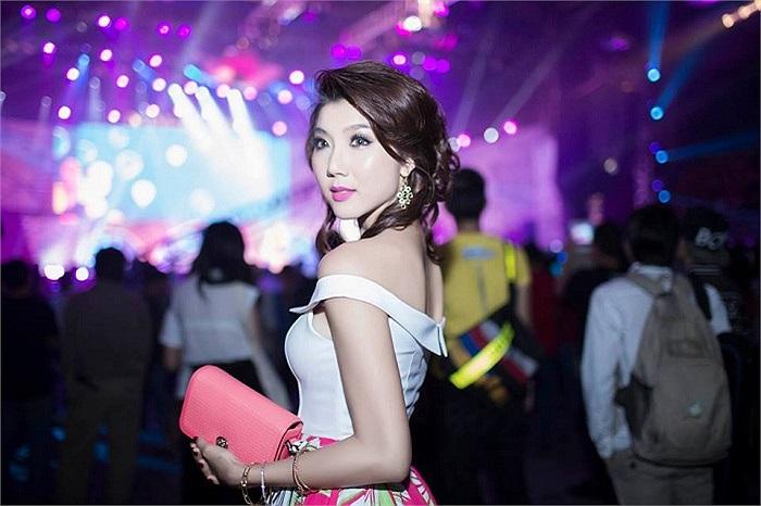 Ngọc Quyên ngày càng tỏa sáng cả về nhan sắc và phong cách thời trang.