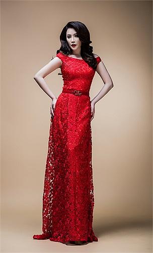 Vì vậy, cô chính thức làm việc với chuyên gia trang điểm nổi tiếng Hồ Khanh, người chịu trách nhiệm chính trong việc làm đẹp cho nữ ca sỹ.