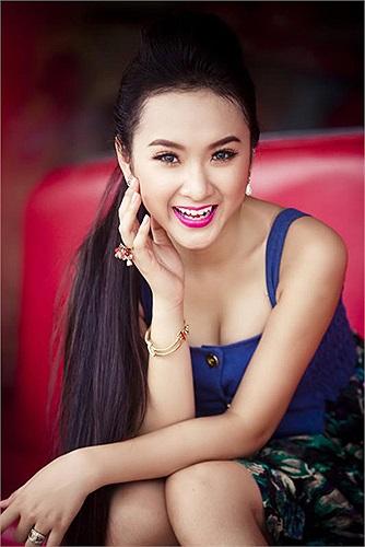 Angela Phương Trinh sở hữu một trong những khuôn mặt đẹp nhất showbiz Việt.