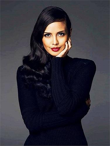 Sau khi đăng quang Hoa hậu thế giới 2013, Megan trở thành gương mặt được nhiều hãng thời trang săn đón.