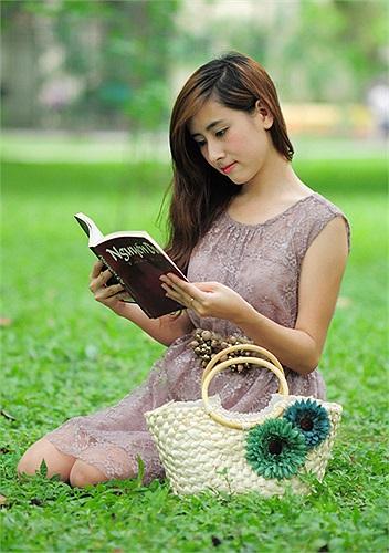 Cô bạn này có sở thích làm tình nguyện viên, đọc sách đặc biệt là tiểu thuyết của nữ văn sĩ Quỳnh Dao.