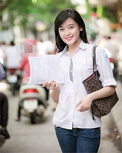 Siêu mẫu Huyền My là học sinh trường THPT Hồ Tùng Mậu (Hà Nội). Cô bạn tham dự thi tốt nghiệp tại điểm thi trường THCS Hoàn Kiếm.