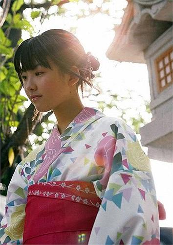 Fukuda Mayuko chính là diễn viên vào vai cô chị của Maruko trong loạt phim truyền hình Nhật sản xuất dựa trên bộ truyện tranh cùng tên - Chibi Maruko Chan lên sóng năm 2006
