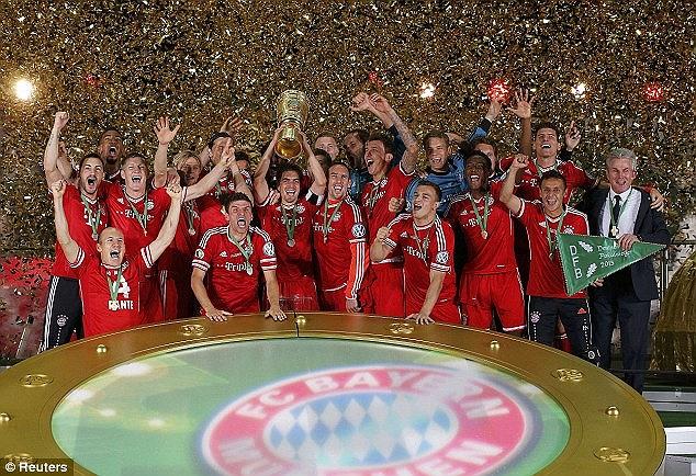 Bayern hạ Stuttgart trong trận chung kết quốc gia Đức để hoàn tất cú ăn ba lịch sử.