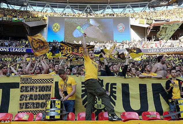 và Borussia Dortmund
