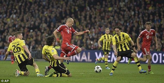 Trong một ngày chơi đầy thăng hoa, Robben đã phá dớp về nhì của chính mình.