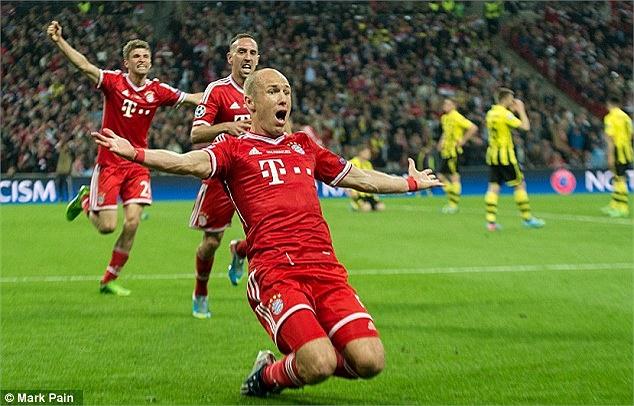 Niềm vui của Robben. Cuối cùng anh đã biết ghi bàn trong một trận chung kết.