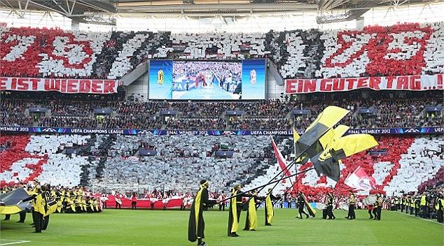 Những sắc màu Bundesliga không trộn lẫn vào đâu được.