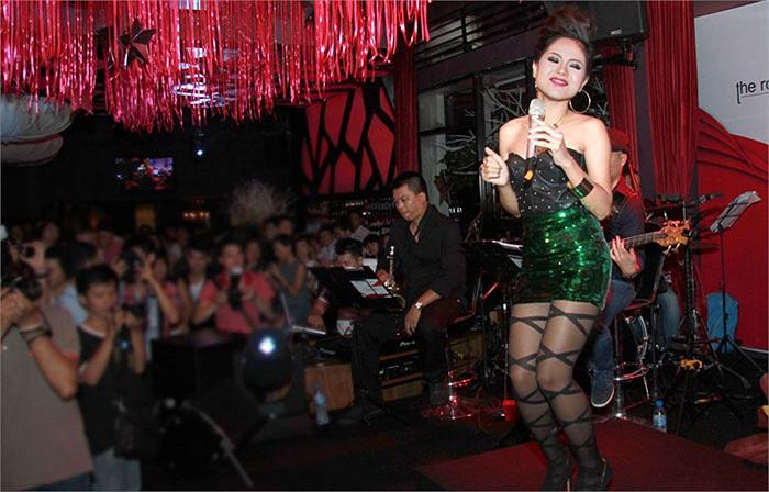 Hoàng Quyên ngày càng trưởng thành và bản lĩnh. Cô nhận được nhiều tình cảm sau đêm diễn bởi nội lực và lối hát tinh tế.