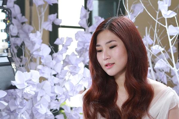 Ca khúc được ghi hình MV nằm trong single online dự kiến gồm 2 ca khúc được chính thức phát hành vào giữa tháng 5 này.
