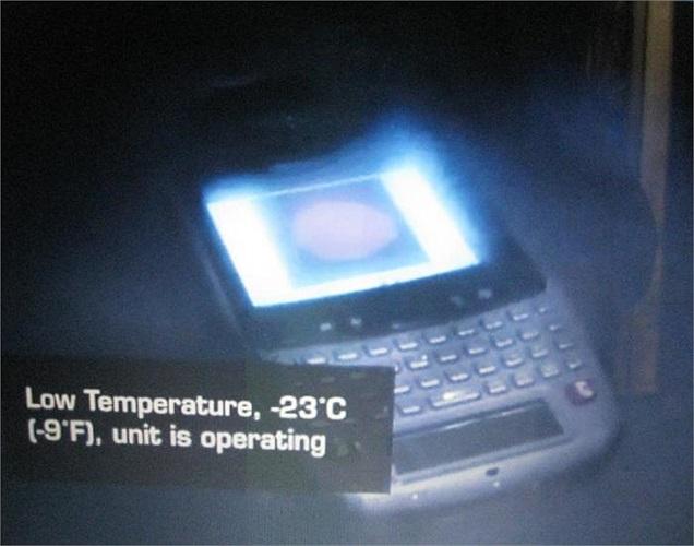 ... hay nhiệt độ thấp dưới -23 độ C, chiếc điện thoại vẫn hoàn toàn khiến chủ nhân hài lòng.