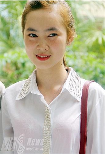 Trong phần thi Thanh nhạc, Thúy Hồng đã lựa chọn bài hát ' Biết ơn chị Võ Thị Sáu' và 'Màu hoa đỏ'