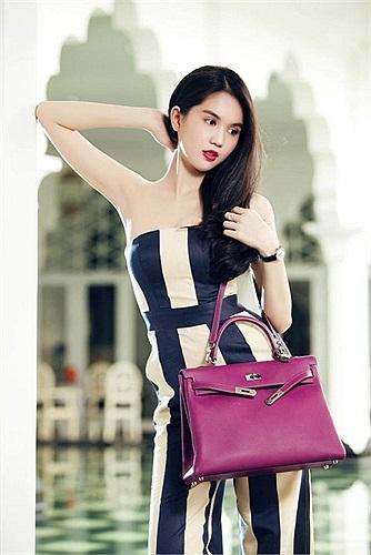 Những chiếc túi xách của Hermes, Channel, Gucci mẫu mới nhất có giá lên tới nửa tỷ đồng đều được Ngọc Trinh cập nhật liên tục.