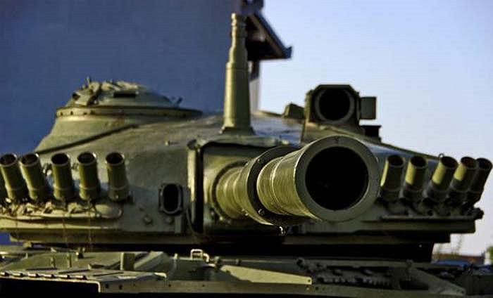 Còn đây là xác một chiếc xe tăng M-84 tại thành phố Vukovar của Croatia. Nó là một nhân chứng lịch sử của sự kiện Croatia giành độc lập (1991-1995).