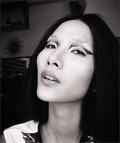 Hoàng Thùy ấn tượng khi chụp ảnh thời trang.