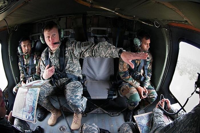 Cuộc luyện tập chung có tên Yudh Abhyas 2013, tổ chức tại căn cứ quân sự Fort Bragg, bang North Carolina, Mỹ với sự góp mặt của các binh sĩ Ấn Độ và Sư đoàn không vận số 82 của Mỹ