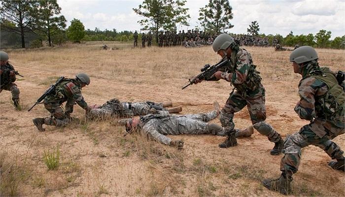 Các binh sĩ Ấn Độ đến từ Tiểu đoàn 2, Lữ đoàn Núi số 99 của quân đội Ấn Độ