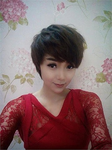 Minh Hằng phiên bản tóc ngắn vẫn cực quyến rũ và gợi cảm.
