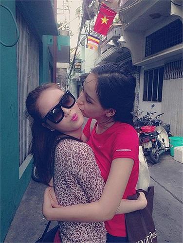Mai Phương Thúy luôn gọi em gái là tình yêu của cuộc đời mình, lúc nào hai chị em cũng cực thân thiết.