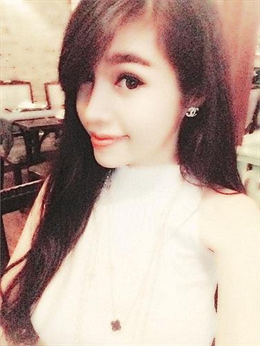 Không khoe ngực khủng, Elly Trần vẫn xinh đẹp, đáng yêu.