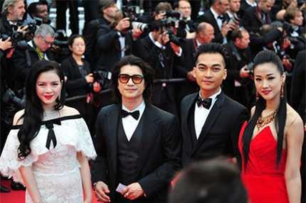 sao Viet di lien hoan phim Cannes
