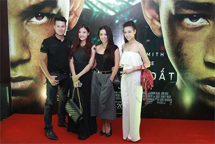 Cựu người mẫu Thúy Hằng cùng người đẹp Trương Tùng Lan cũng đến buổi ra mắt After Earth.
