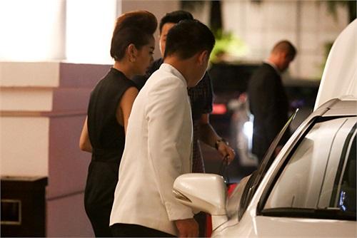 Kiểu dáng khỏe khoắn của dòng xe này rất phù hợp với tính chất công việc thường xuyên phải chạy show của Minh Hằng.
