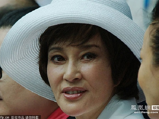 Tuy vậy, không phải lúc nào mỹ nhân của điện ảnh Hoa ngữ cũng giấu được những nếp nhăn trên khuôn mặt.