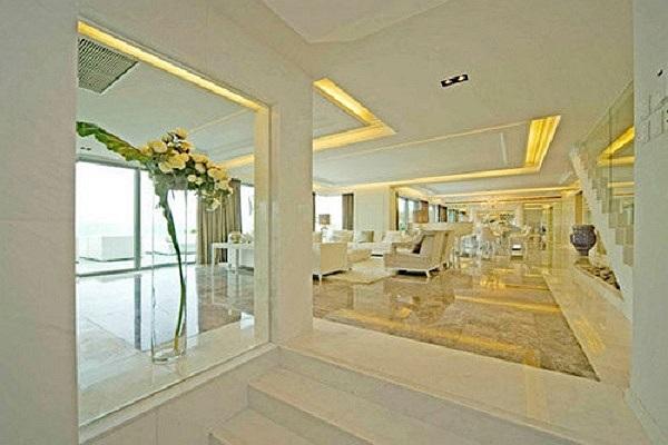 Căn biệt thự khác ở khu The Westminster Terrace - Hong Kong được vợ chồng Triệu Vy tậu về với mức giá đáng nể 43,8 triệu HKD (gần 120 tỷ đồng).