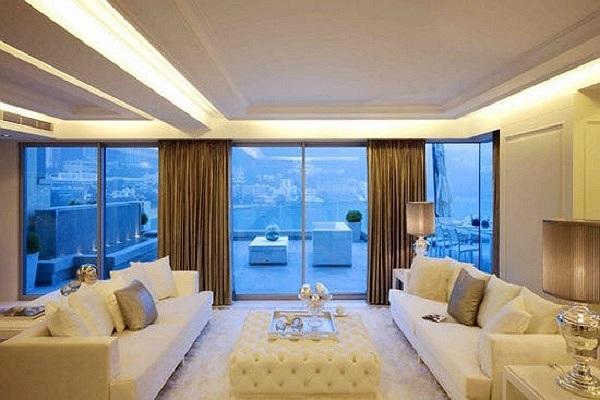 Căn biệt thự nằm gần biển, cũng là nơi lý tưởng để hai vợ chồng nghỉ ngơi vào ngày cuối tuần.