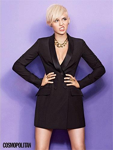 Nữ ca sĩ Miley Cyrus đánh bại Selena Gomez và Rihanna để vươn lên đứng vị trí số một trong danh sách 100 cơ thể nóng bỏng nhất.