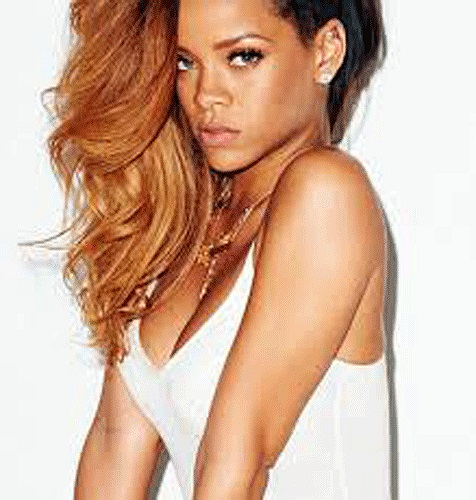 Mới đây cô vừa chính thức chia tay với bạn trai Chris Brown sau nhiều lần hợp tan.