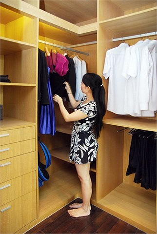 Nữ ca sĩ có một căn phòng chứa đồ diễn và trang phục của cả nhà.