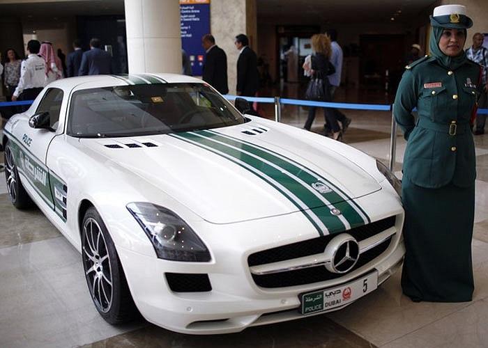 Siêu xe Mercedes SLS AMG. Ảnh Reuters