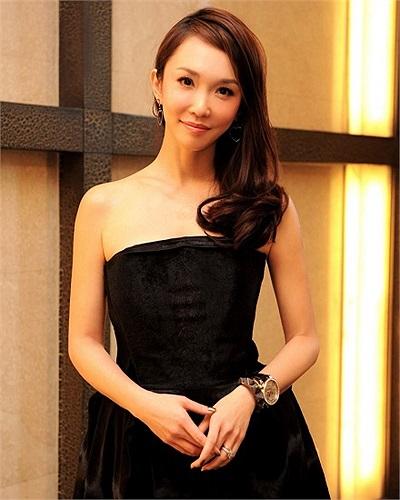 Bắt đầu từ năm 1994, gương mặt xinh đẹp của cô bắt đầu xuất hiện đều đặn trong các bộ phim truyền hình.